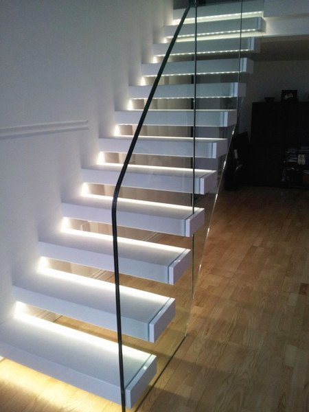 Lighting Basement Washroom Stairs: Floating Staircase