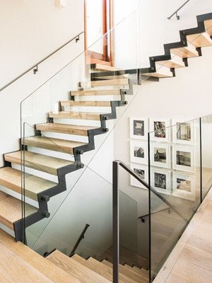 L Shape Half Turn Zig Zag Stairs With Glass Railing
