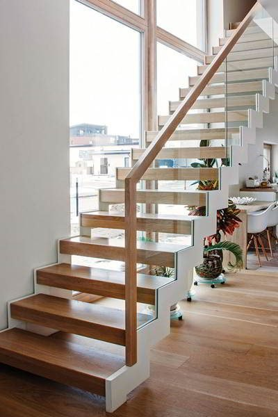 zig zag staircase with double steel stringers glass railing wood tread 2
