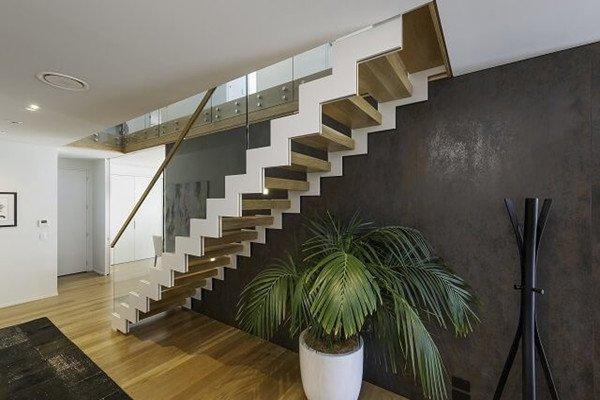 Zig Zag Staircase