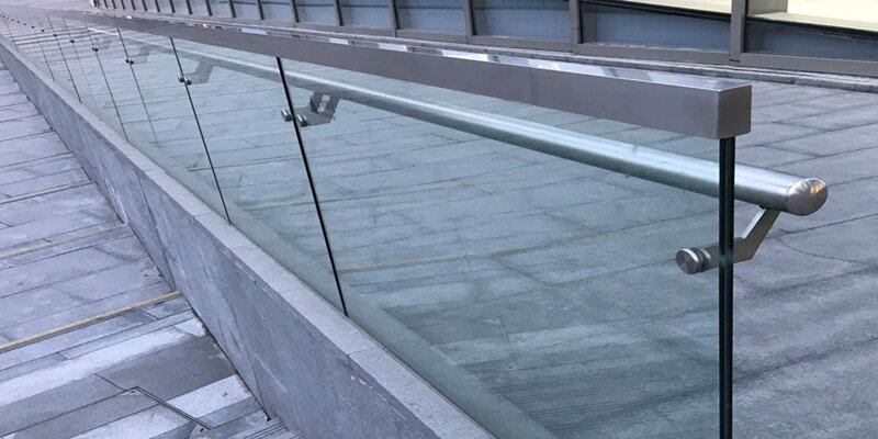 commercial glass balustrade stainless steel glass cap and round handrail