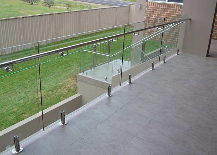 frameless glass balcony railing spigot railing system with round spigot glass clamp