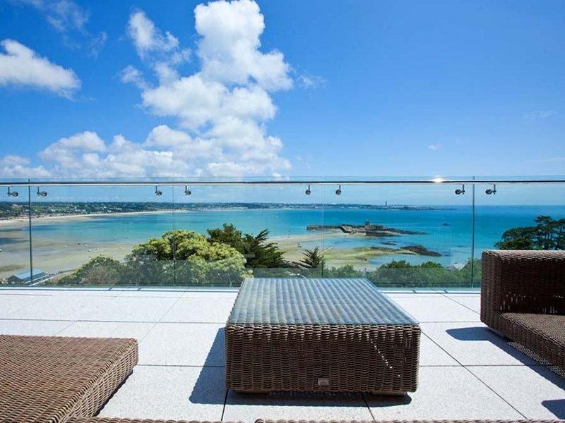 beachfront low iron frameless glass balustrade railing for terrace deck