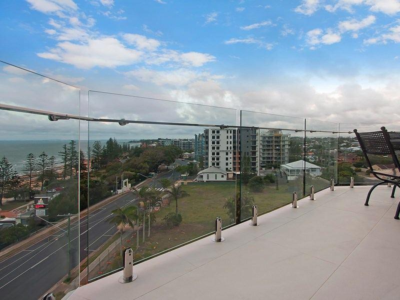 rooftop glass deck railing glass balustrade with duplex 2205 glass spigot supplied by foshan demax